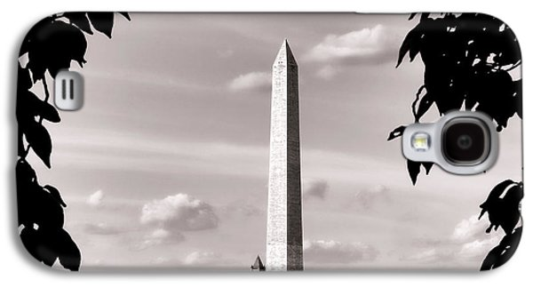 Majestic Washington Monument Galaxy S4 Case by Olivier Le Queinec