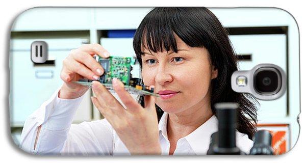 Woman Making A Micro Processor Galaxy S4 Case by Wladimir Bulgar