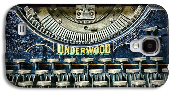 Typewriter Keys Photographs Galaxy S4 Cases - 1932 Underwood Typewriter Galaxy S4 Case by Paul Ward