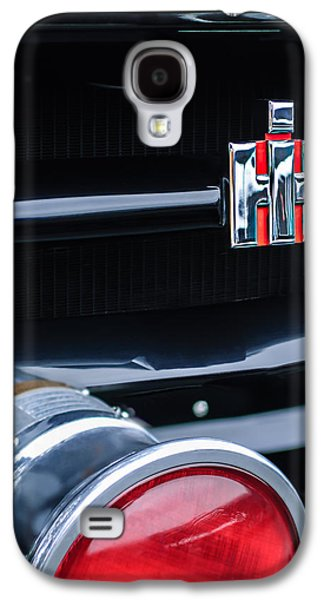 Transportation Photographs Galaxy S4 Cases - 1954 International Harvester R140 Woody Grille Emblem Galaxy S4 Case by Jill Reger