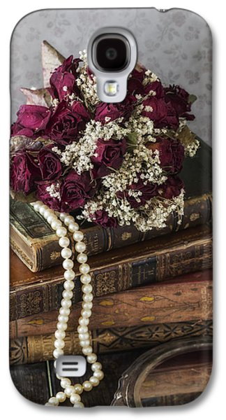 Creepy Galaxy S4 Cases - Bridal Bouquet Galaxy S4 Case by Joana Kruse