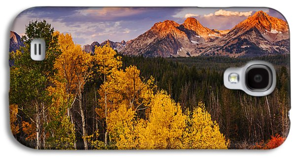 Light Galaxy S4 Cases - Dramatic Sawtooth Autumn Sunrise  Galaxy S4 Case by Vishwanath Bhat