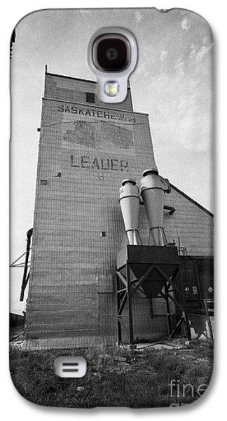 Sask Galaxy S4 Cases - grain elevator and old train track landmark leader Saskatchewan Canada Galaxy S4 Case by Joe Fox