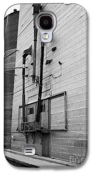 Sask Galaxy S4 Cases - grain elevator doors and filling pipe leader Saskatchewan Canada Galaxy S4 Case by Joe Fox