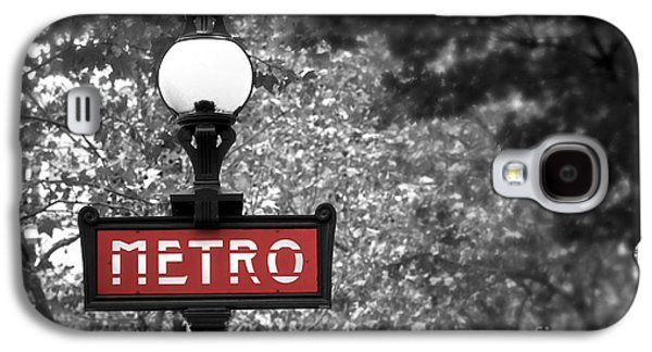 Metal Photographs Galaxy S4 Cases - Paris metro Galaxy S4 Case by Elena Elisseeva