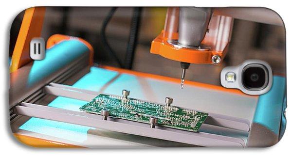 Printed Circuit Board Processing Galaxy S4 Case by Wladimir Bulgar
