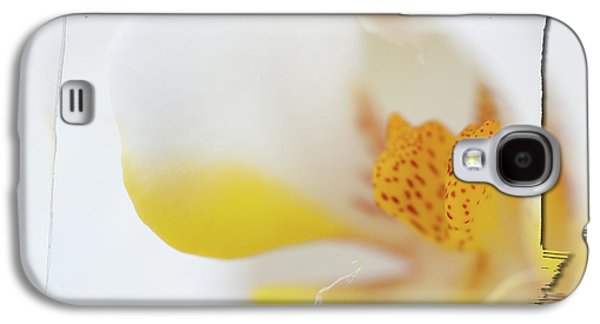 Pure White Galaxy S4 Case by Sebastian Musial