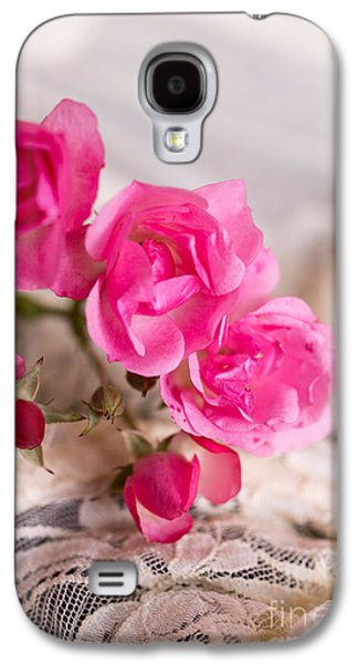 Roses And Lace Galaxy S4 Case by Edward Fielding