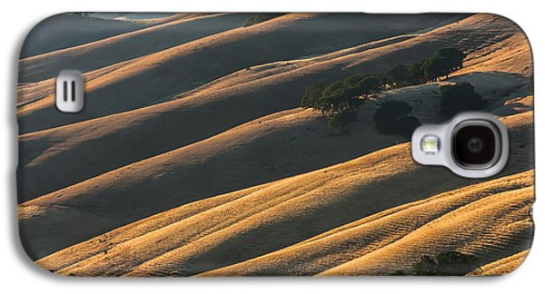 Landscapes Photographs Galaxy S4 Cases - Round Valley Ridges Galaxy S4 Case by Marc Crumpler