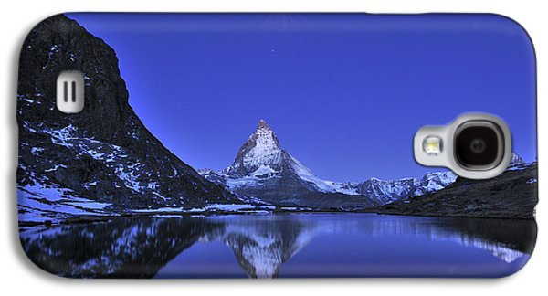 Mountain Photographs Galaxy S4 Cases - The Matterhorn And Riffelsee Lake Galaxy S4 Case by Thomas Marent