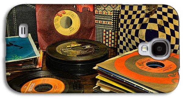 Vintage Vinyl Galaxy S4 Case by Paul Ward