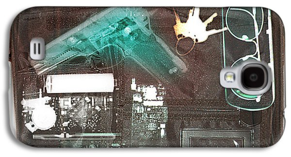 Terrorism Galaxy S4 Cases - X-ray Of A Briefcase With A Gun Galaxy S4 Case by Scott Camazine