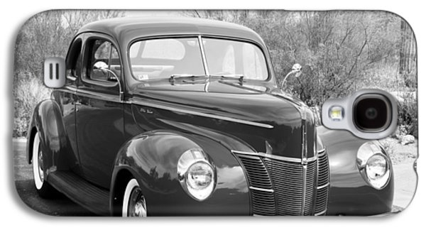 Grey Photographs Galaxy S4 Cases - 1940 Ford Deluxe Coupe Galaxy S4 Case by Jill Reger