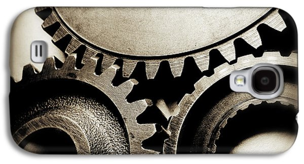 Mechanism Photographs Galaxy S4 Cases - Cogs Galaxy S4 Case by Les Cunliffe