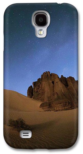 Milky Way Over The Sahara Desert Galaxy S4 Case by Babak Tafreshi
