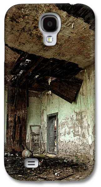 Shed Pyrography Galaxy S4 Cases - Roof damaged by water Galaxy S4 Case by Oliver Sved