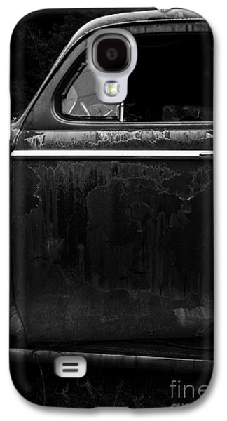 White River Galaxy S4 Cases - Old Junker Car Galaxy S4 Case by Edward Fielding