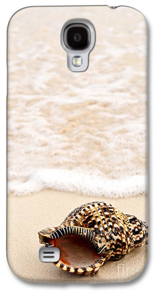 Getaway Galaxy S4 Cases - Seashell and ocean wave Galaxy S4 Case by Elena Elisseeva