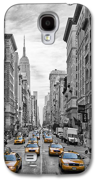 Modern Digital Art Galaxy S4 Cases - 5th Avenue Yellow Cabs - NYC Galaxy S4 Case by Melanie Viola