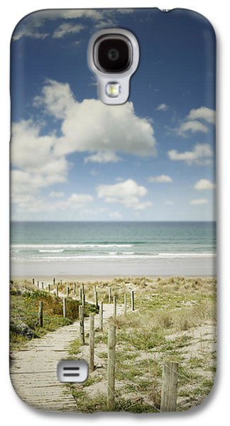 Concept Photographs Galaxy S4 Cases - Beach view Galaxy S4 Case by Les Cunliffe