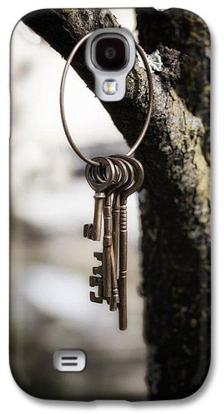Castle Photographs Galaxy S4 Cases - Keys Galaxy S4 Case by Joana Kruse