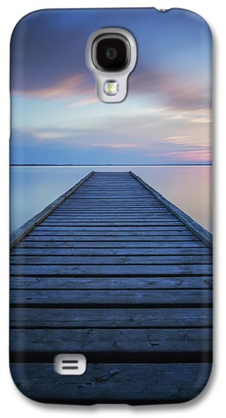 Waterscape Galaxy S4 Cases - 6 Minute Exposure Of An Old Dock, Queen Galaxy S4 Case by Robert Postma