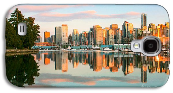 Landscapes Photographs Galaxy S4 Cases - Vancouver Sunset Galaxy S4 Case by JR Photography