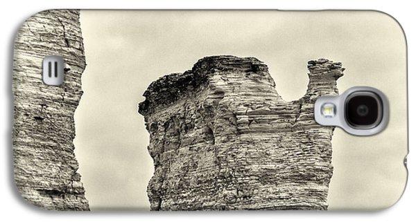 Sepia Chalk Galaxy S4 Cases - Monument Rocks - Chalk Pyramids Galaxy S4 Case by Bill Kesler