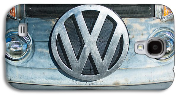 Transportation Photographs Galaxy S4 Cases - Volkswagen VW emblem Galaxy S4 Case by Jill Reger