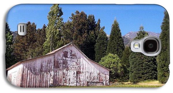 Old Western Photos Galaxy S4 Cases - A Bit Of Country Galaxy S4 Case by Glenn McCarthy Art and Photography