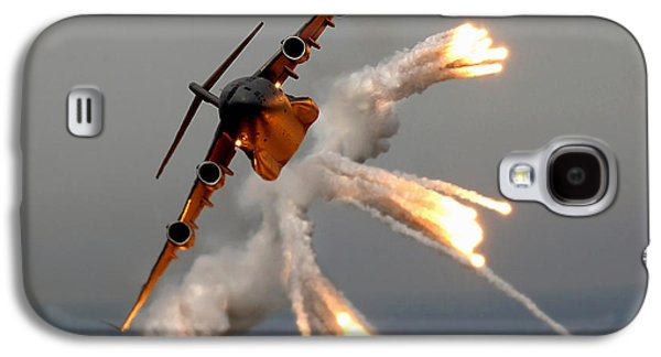 A C-17 Globemaster IIi Releases Flares Galaxy S4 Case by Stocktrek Images