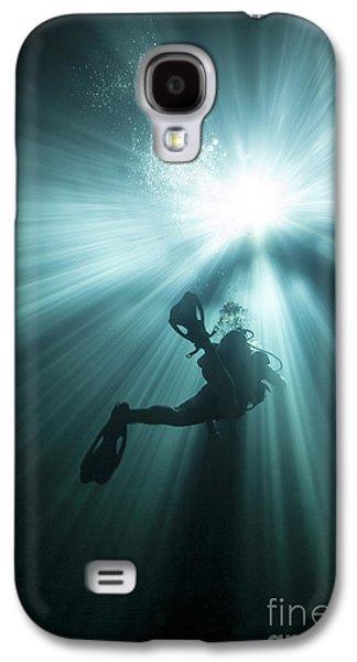 Devils Den Galaxy S4 Cases - A Scuba Diver Ascends Into The Light Galaxy S4 Case by Michael Wood