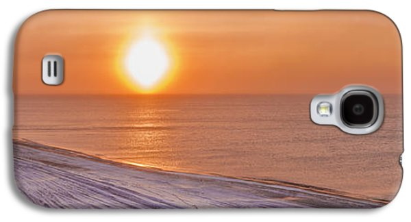 Reflections Of Sky In Water Galaxy S4 Cases - A Sundog Hangs In The Air Over The Galaxy S4 Case by Kevin Smith