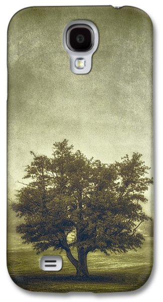 A Tree In The Fog 2 Galaxy S4 Case by Scott Norris