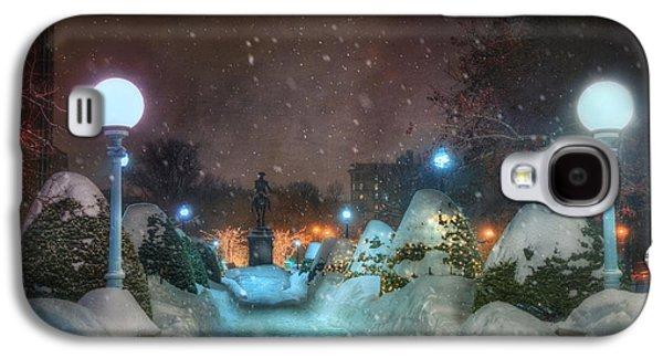 A Walk In The Snow - Boston Public Garden Galaxy S4 Case by Joann Vitali