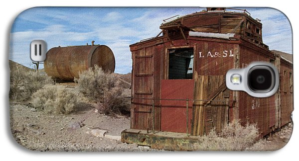 Caboose Photographs Galaxy S4 Cases - Abandoned Caboose Galaxy S4 Case by Juli Scalzi