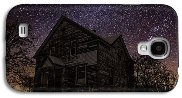 Abandoned House Photographs Galaxy S4 Cases - Abandoned in the cold Galaxy S4 Case by Aaron J Groen