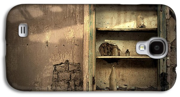 Ancient Galaxy S4 Cases - Abandoned kitchen cabinet Galaxy S4 Case by RicardMN Photography