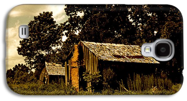 Old House Photographs Galaxy S4 Cases - Abandoned Shacks Beaufort South Carolina  Galaxy S4 Case by Marion Wolcott
