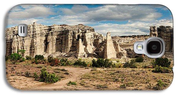 Fault Galaxy S4 Cases - Abiquiu New Mexico Plaza Blanca in Technicolor Galaxy S4 Case by Silvio Ligutti