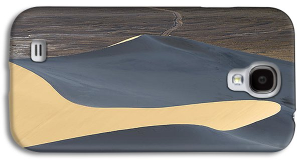 Abstract Nature Photographs Galaxy S4 Cases - Above the Road Galaxy S4 Case by Chad Dutson