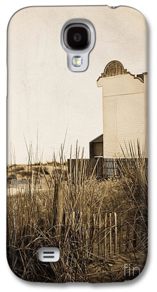 Original Photographs Galaxy S4 Cases - Absence of Noise in Sepia Galaxy S4 Case by Colleen Kammerer