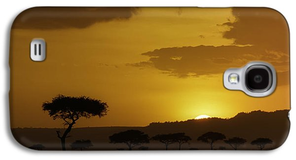 Nature Photographs Galaxy S4 Cases - African Sunrise Galaxy S4 Case by Sebastian Musial