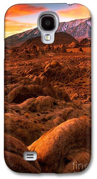 Alabama Galaxy S4 Cases - Alabama Hills Dawn Galaxy S4 Case by Inge Johnsson