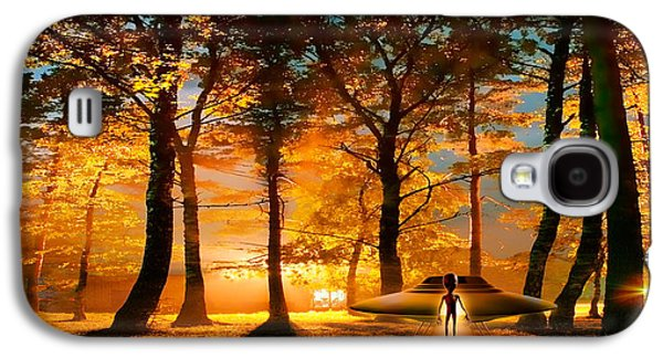 Otherworldly Galaxy S4 Cases - Alien And Ufo In The Forest Galaxy S4 Case by Panoramic Images