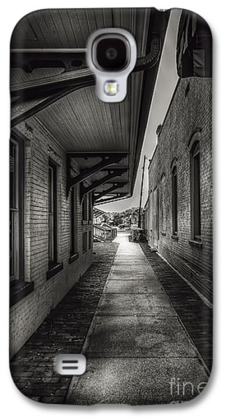 Alley To The Trains Galaxy S4 Case by Marvin Spates