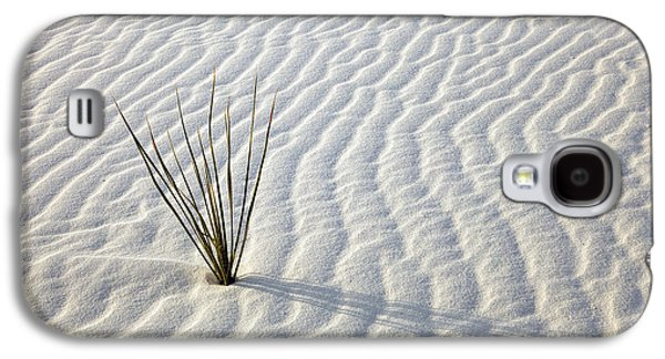 Recently Sold -  - Landscapes Photographs Galaxy S4 Cases - Alone in a Sea of White Galaxy S4 Case by Mike  Dawson