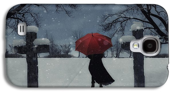 Woman Photographs Galaxy S4 Cases - Alone In The Snow Galaxy S4 Case by Joana Kruse
