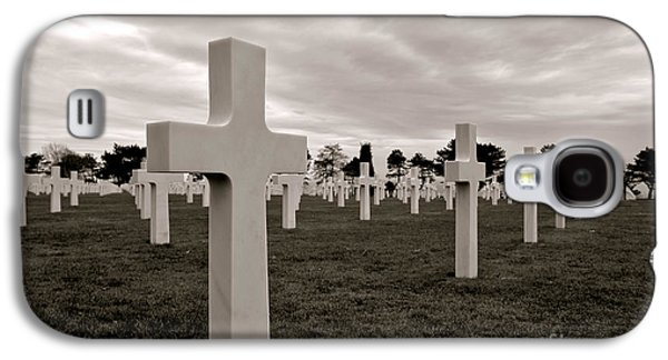 Graveyard Galaxy S4 Cases - American Cemetery in Normandy  Galaxy S4 Case by Olivier Le Queinec