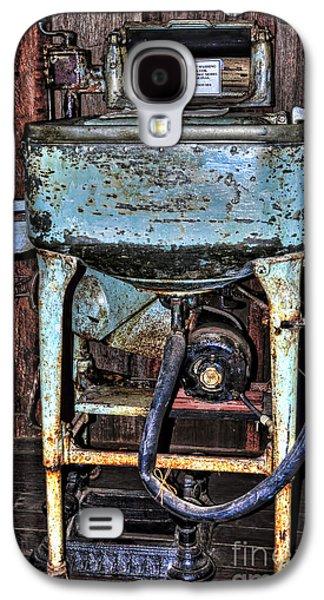 Washing Machine Galaxy S4 Cases - American  Maytag  Washing Machine - Circa 1930 Galaxy S4 Case by Kaye Menner